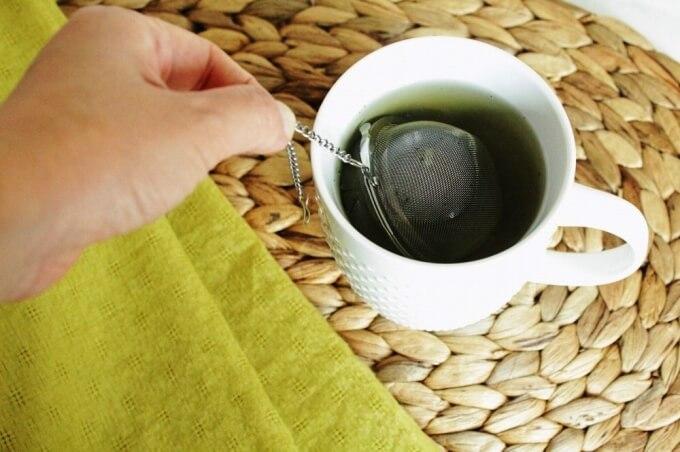 ボール型の茶こしは片付けが楽