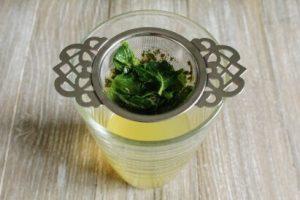 ミントティーと緑茶のアイスティー:工程4