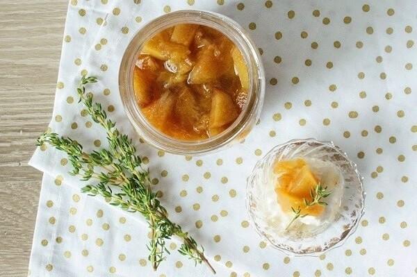 タイムシロップのアレンジレシピ:タイムとピーチのコンポート
