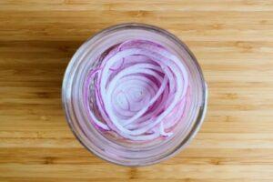 赤玉ねぎとタイムのピクルスの作り方3