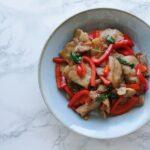 【ご飯が進む】バジルと豚肉のにんにく醤油炒め