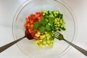 ミントとトマトの地中海サラダの作り方3