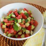 野菜不足の解消に|ミントとトマトの地中海風サラダ