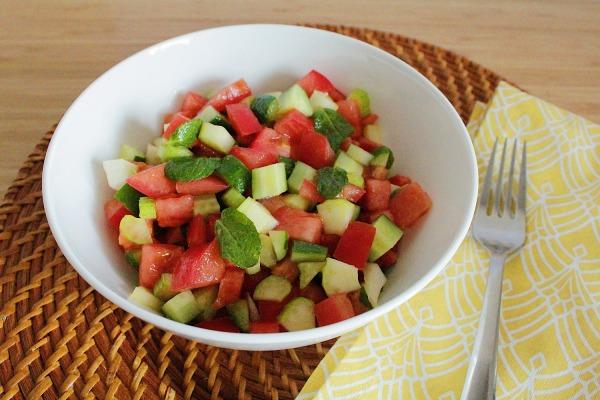 ミントとトマトの地中海風サラダ
