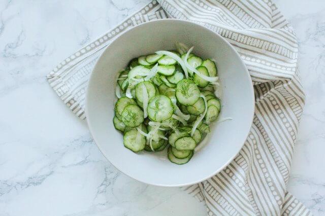 ハーブの作り置きおかず|ディルときゅうりの簡単サラダ