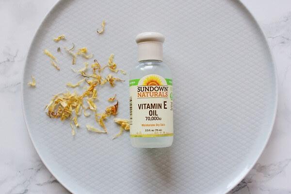 ハーブ軟膏に必要な材料:ビタミンEオイル
